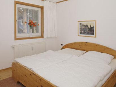 Geräumiges Elternschlafzimmer