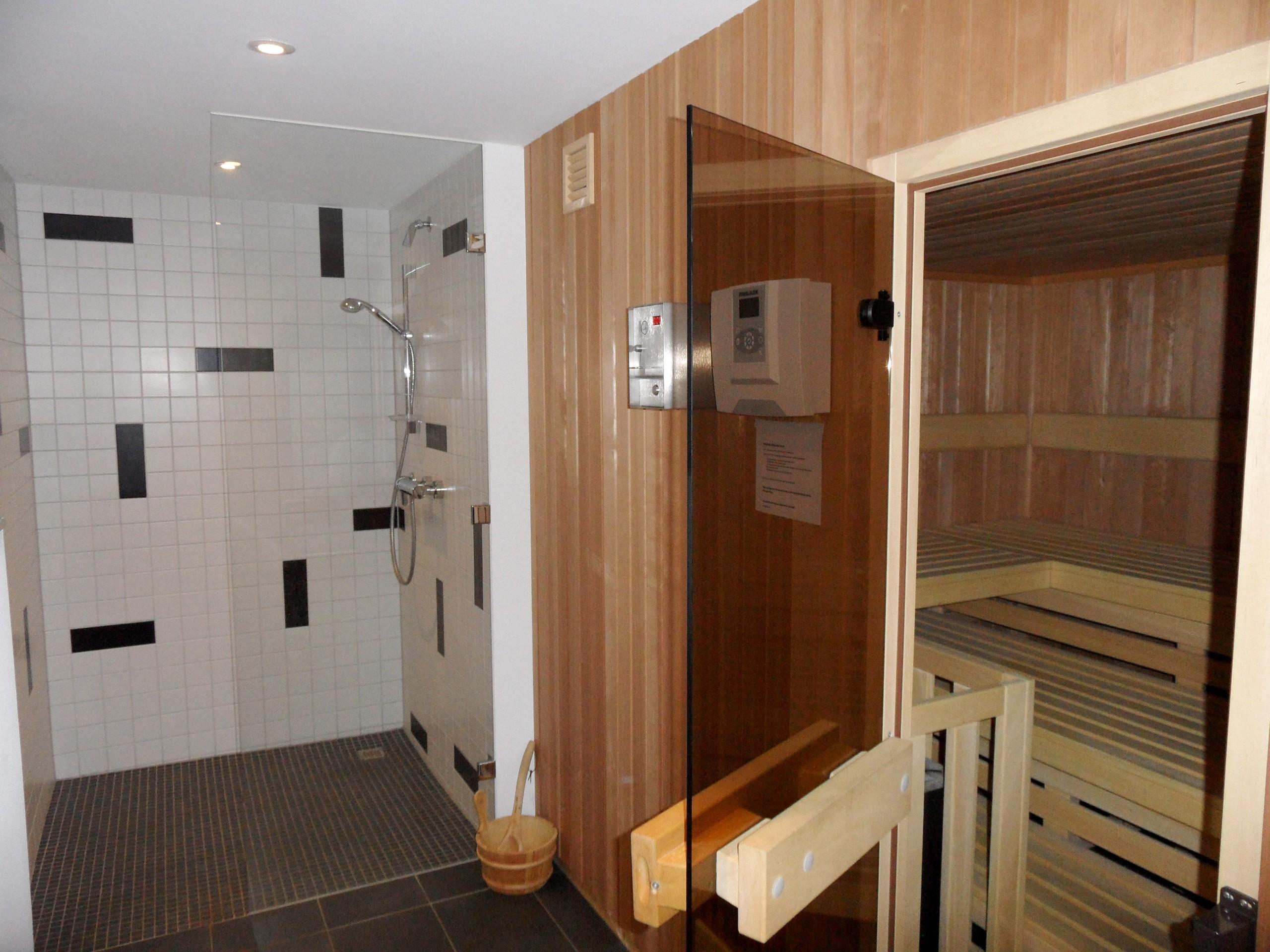 Gemeinschaftssaunabereich inkl. Dusche