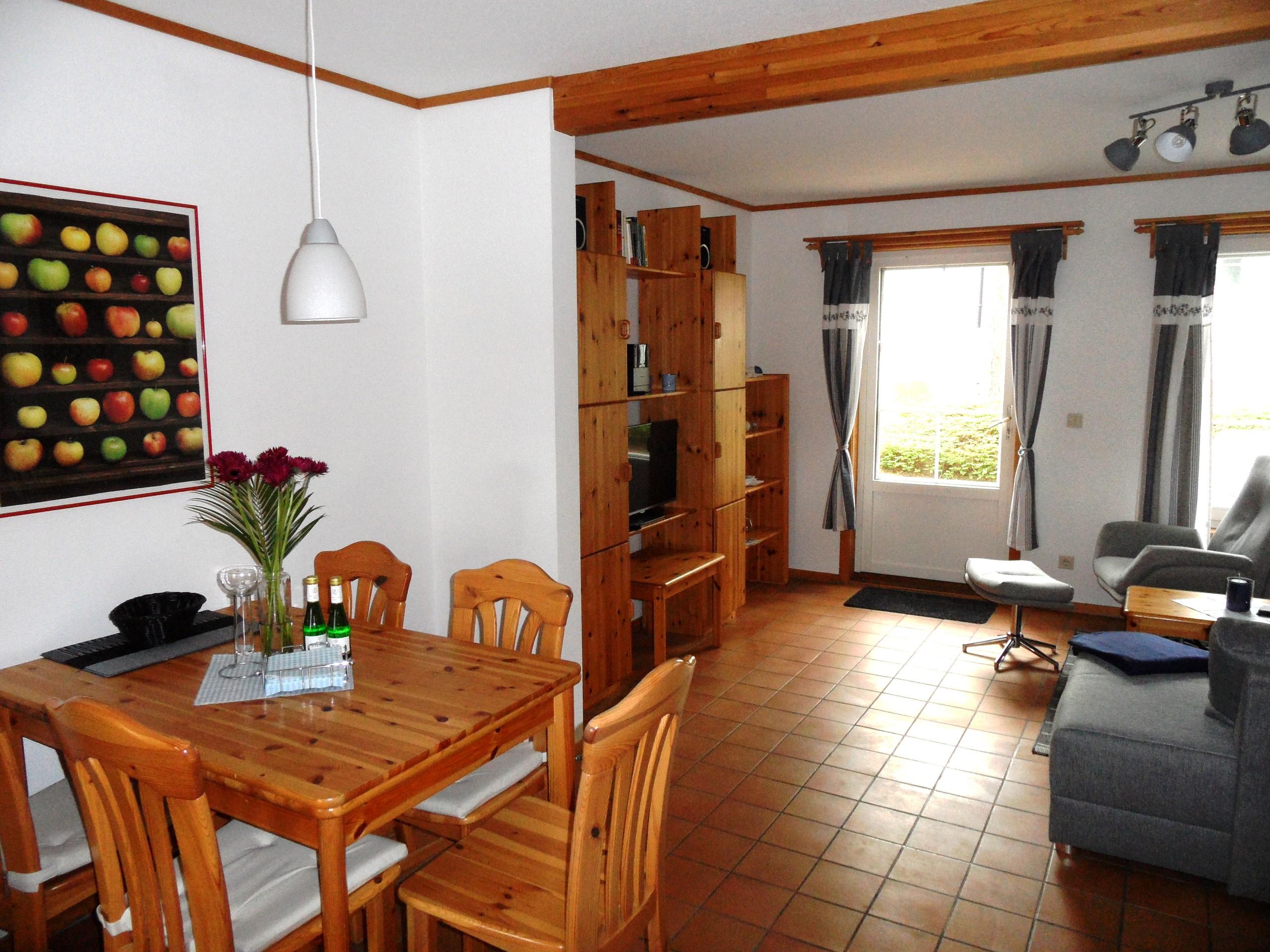 Ein Weitblick Essbereich-Wohnzimmer