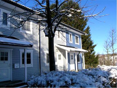 Eingangsbereich zum Ferienhaus bei Schnee